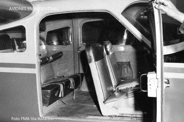 Foto del interior del IA-45 Querandí