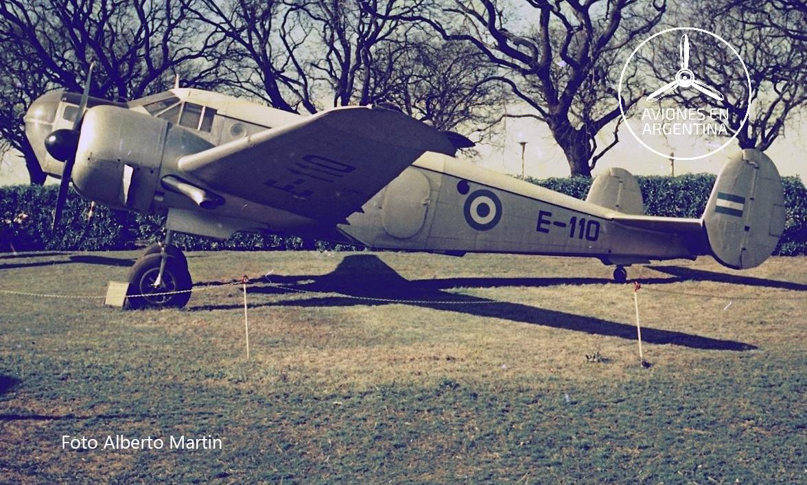 Dougla DC-3  Foto Horacio Gareiso