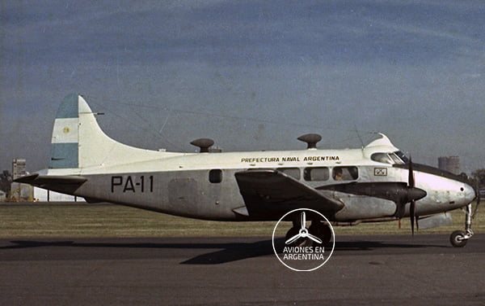 De Havilland Dove DH-104  Foto Horacio Gareiso