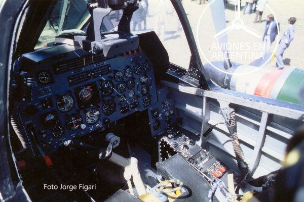 Cabina del IA-58C
